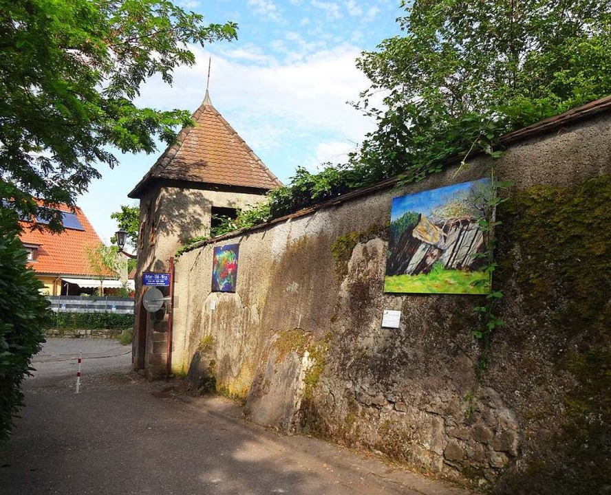 Auch der Artur-Uhl-Weg auf den Eckarts...t Teil der Breisacher Freiluftgalerie.  | Foto: Ingrid Wenz-Gahler