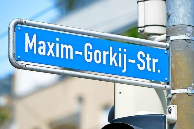 Sollten Straßen nach Jacob Burckhardt und Maxim Gorkij benannt sein?