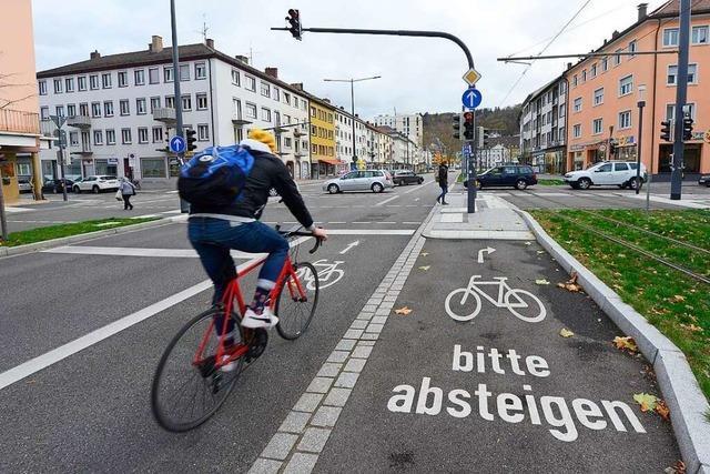 Drei Fraktionen fordern mehr Sicherheit für Radler und Fußgänger