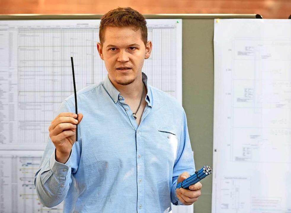 Glasfaserkabel statt Kabelbündel: Denn...n Plus-Energie erläutert die Vorteile.  | Foto: Michael Bamberger
