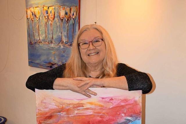Die Bilder der Oberrotweiler Künstlerin Beate Wiedemann sind farbenprächtig und ausdrucksstark