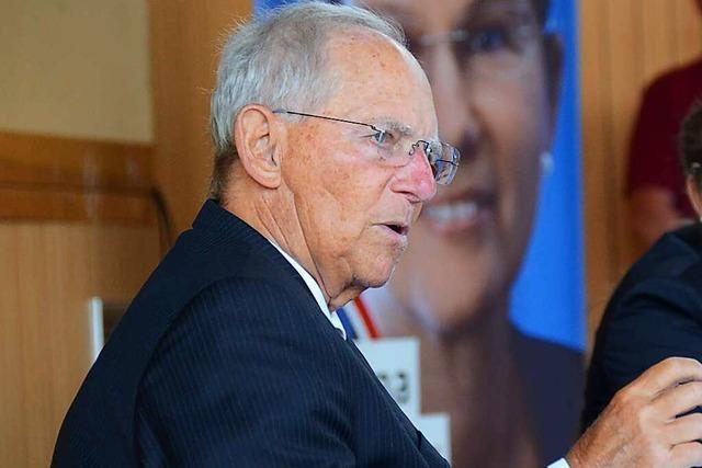 Wolfgang Schäuble stärkt Armin Laschet in Binzen den Rücken