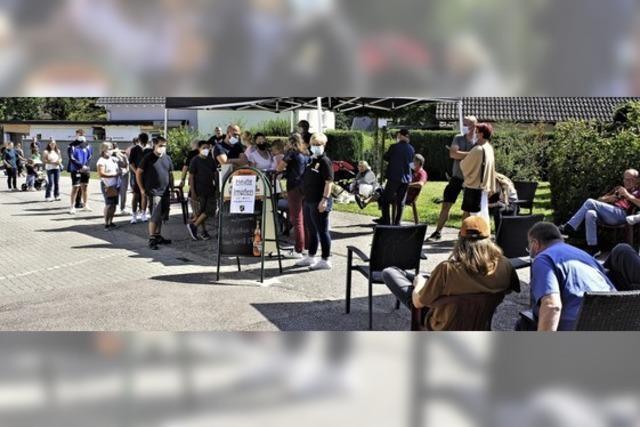 Impfwillige haben in Laufenburg geduldig gewartet