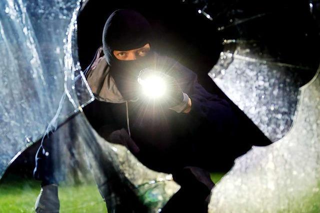 Polizei ermittelt: Zwei Einbrüche, selbes Muster