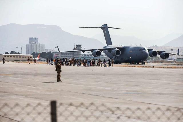 Explosion außerhalb des Flughafens in Kabul