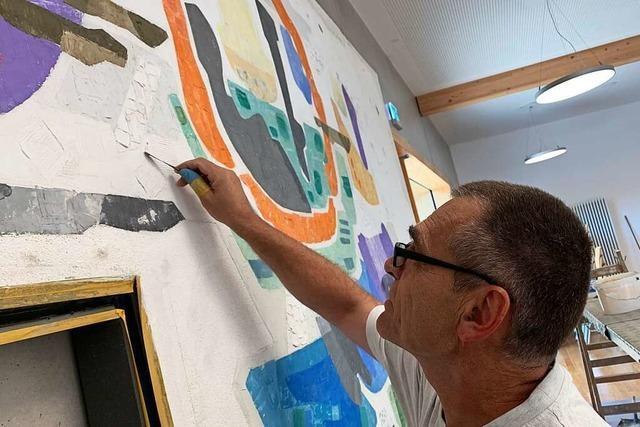 Wie in Sulzburg-Laufen ein Wandgemälde von Adolf Riedlin gerettet wird