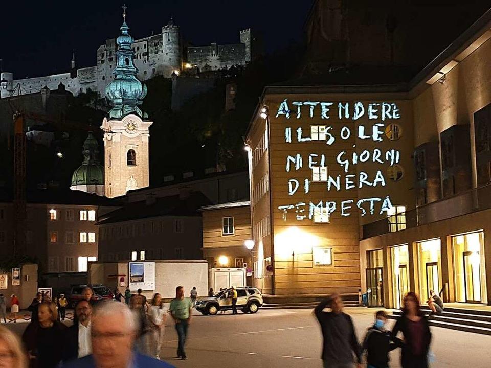 """""""Warte auf die Sonne in den Tage... die Salzburger Festspielhaus-Fassaden    Foto: Alexander Dick"""