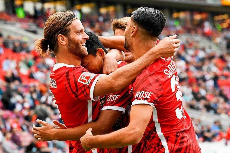 2:3 stand es am Ende für den SC Freiburg in Stuttgart. (Foto: THOMAS KIENZLE (AFP))