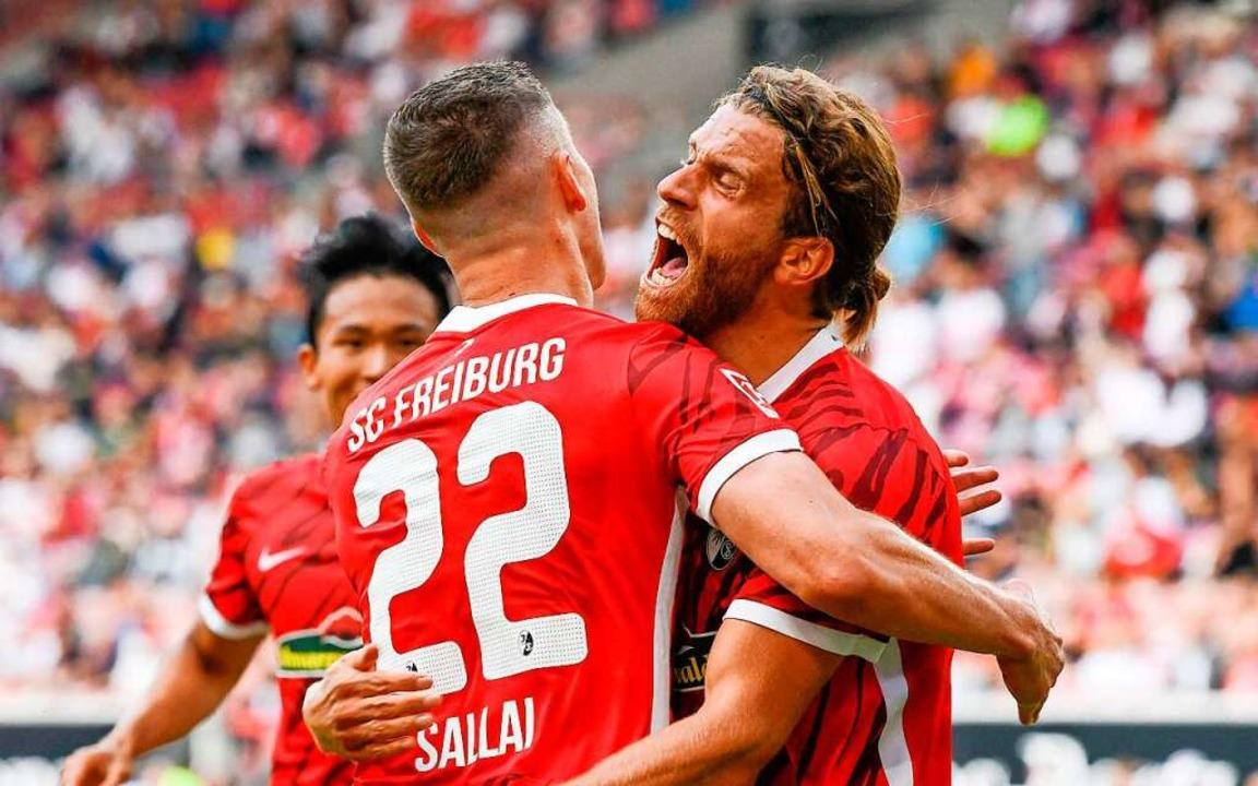 Lucas Höhler feiert seinen 0:3-Treffer gegen den VfB Stuttgart.    Foto: THOMAS KIENZLE (AFP)