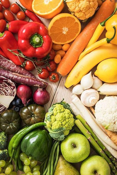 Klare Sache: Viel Gemüse und Obst sollten auf dem Speiseplan stehen.  | Foto: Christin Klose (dpa)