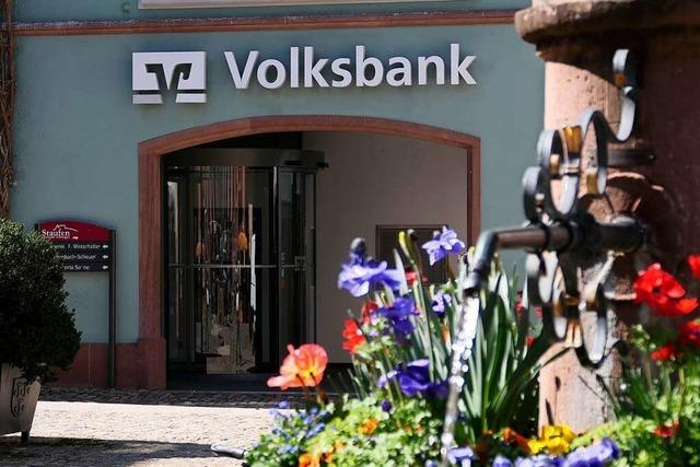 Paar verklagt Staufener Volksbank auf Nachzahlung von Prämienspar-Zinsen
