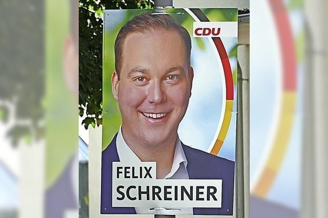 Wahlplakate soweit das Auge reicht