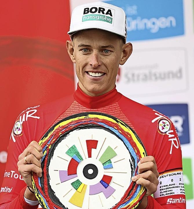 Gesamtsieger Nils Politt  | Foto: Daniel Karmann (dpa)