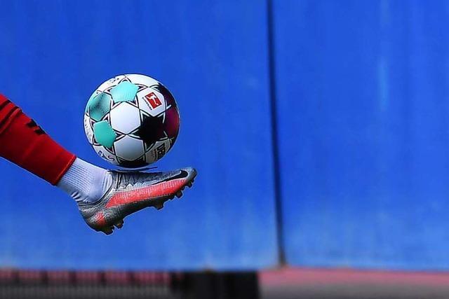 Die Erstliga-Fußballerinnen des SC Freiburg spielen gegen die SpVgg Ebing