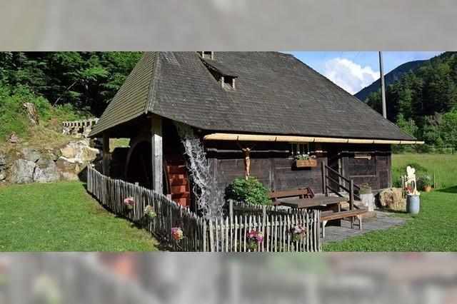 Eine Führung durch die historische Mühle im Zastlertal