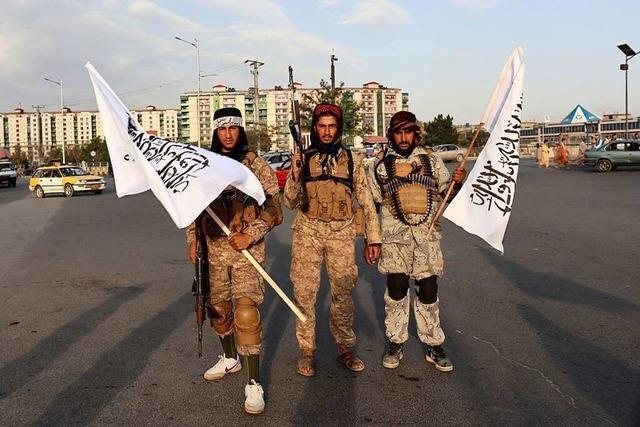 Taliban feiern nach Abzug der letzten US-Truppen
