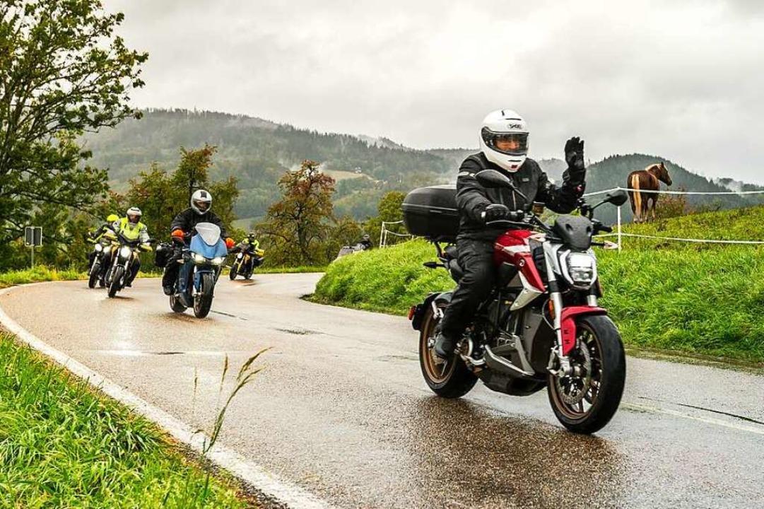 Beim Electric Ride Schönau sind die elektrischen Motorräder leise.  | Foto: Katja Wickert EWS
