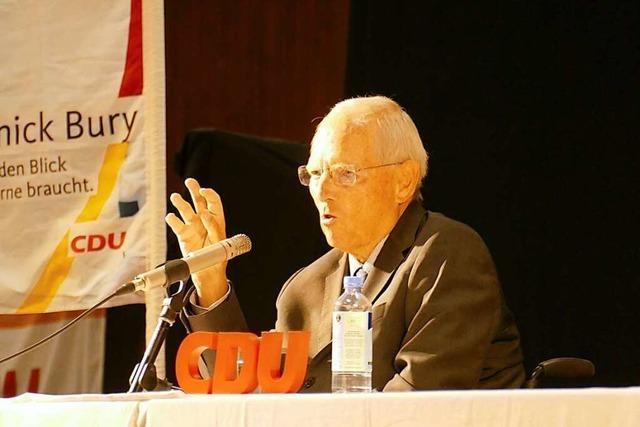 Generationenübergreifend: Wolfgang Schäuble und Yannick Bury werben für Gemeinsamkeit