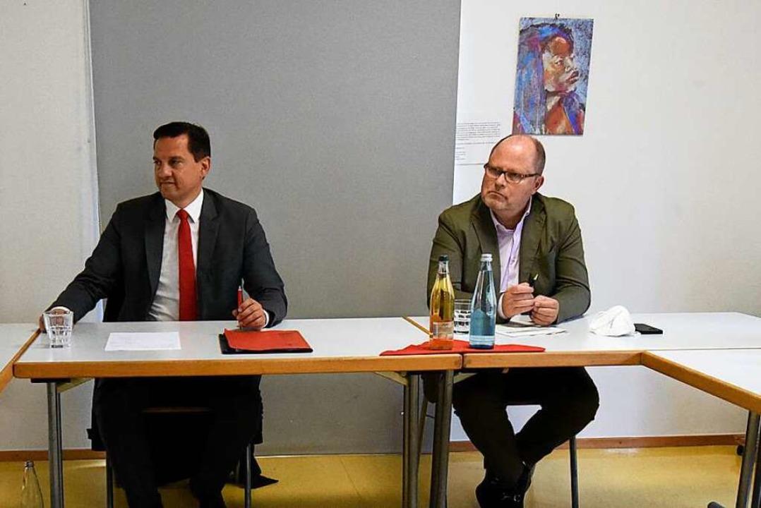 Johannes Fechner (links) und Christian...urg und seinem Speckgürtel eingeladen.  | Foto: Markus Zimmermann