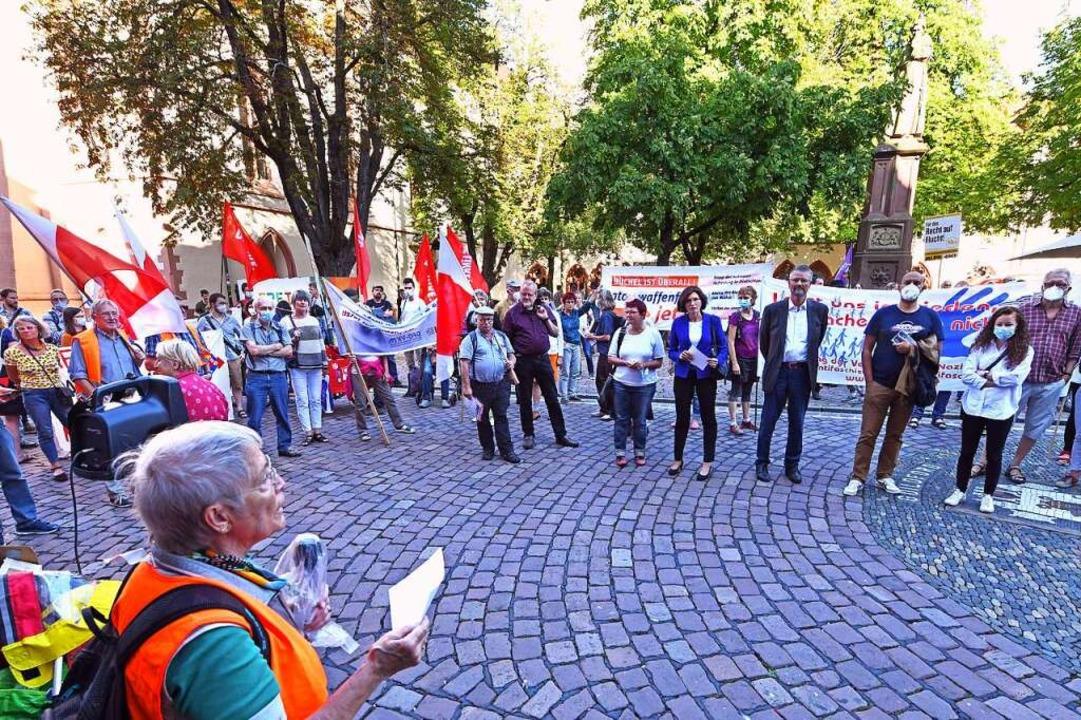 An der Kundgebung nahmen insgesamt rund 100 Menschen teil.  | Foto: Michael Bamberger