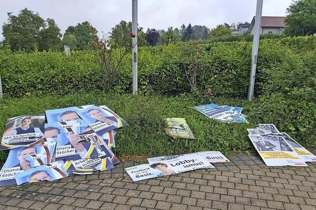 Parteiübergreifende Beschädigung von Wahlplakaten