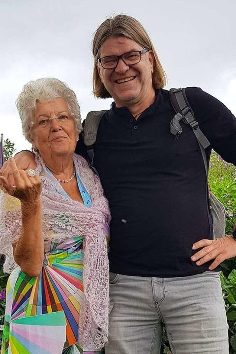 Christa Nietzel mit dem Lahrer BZ-Reda...tenschau in Überlingen in diesem Jahr.    Foto: Christian Kramberg