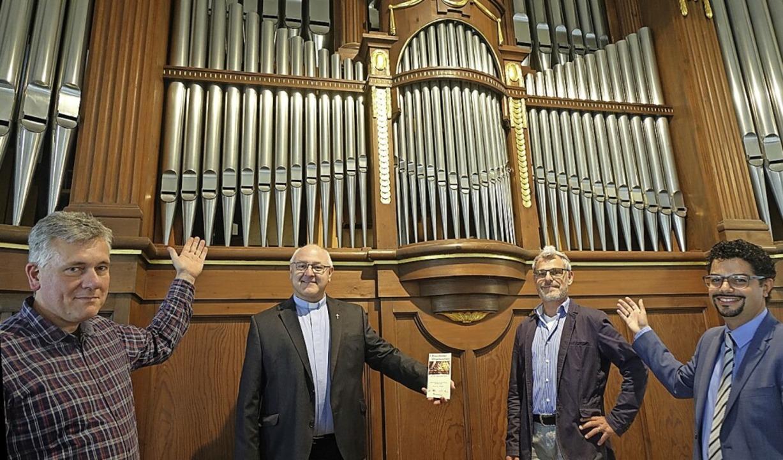 Jens Steinhoff, Andreas Brüstle, Raine...r Späth-Orgel in der St. Josefskirche     Foto: Roswitha Frey
