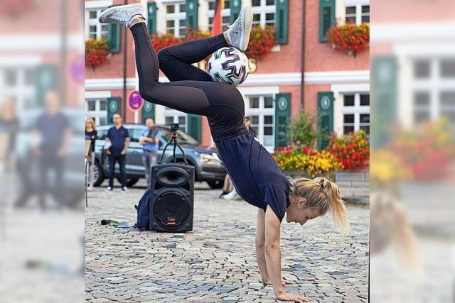 Weltmeisterliche (Fuß-)Ball-Kunst und Polka