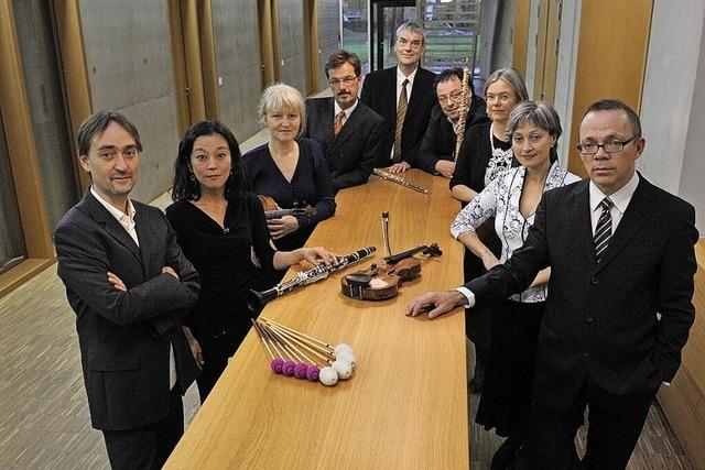 Mitglieder des Freiburger Barock-Consorts und des Ensemble Recherche spielen zum Saisonauftakt