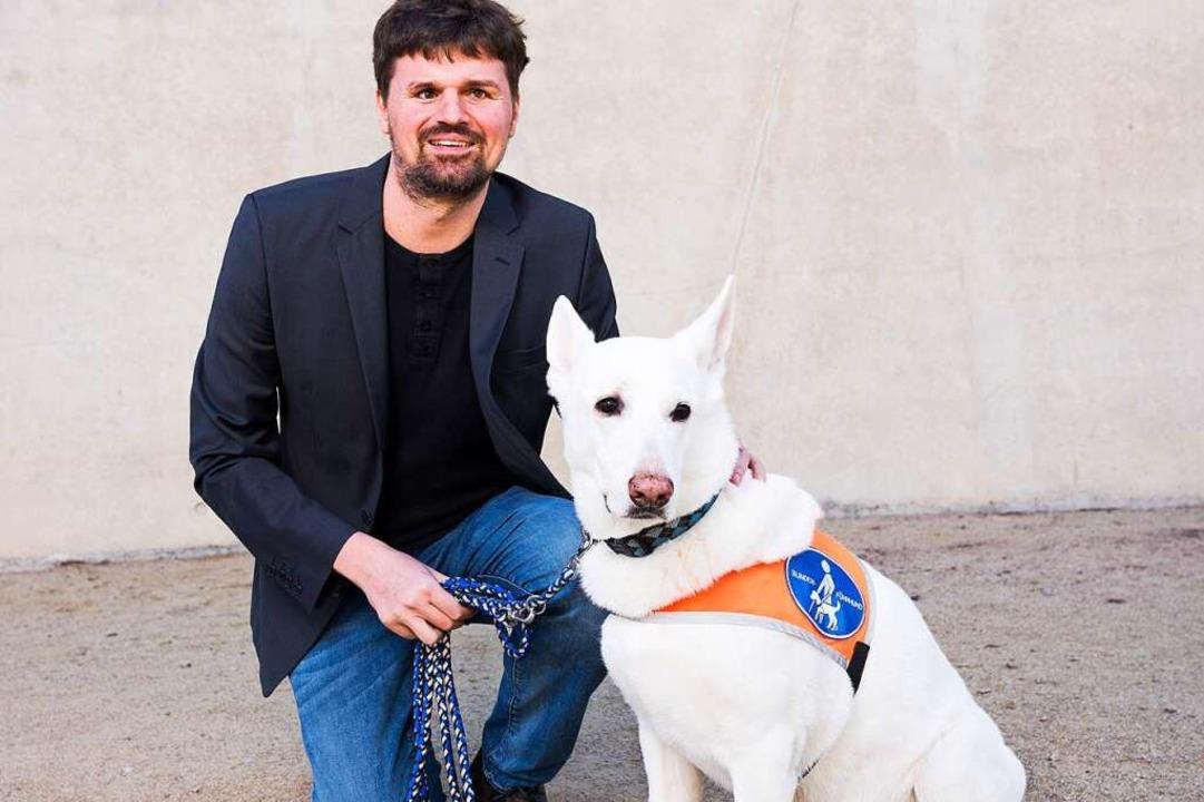 Ramon Kathrein mit dem Hund, der er früher hatte (Archivbild).   | Foto: Markus Herb