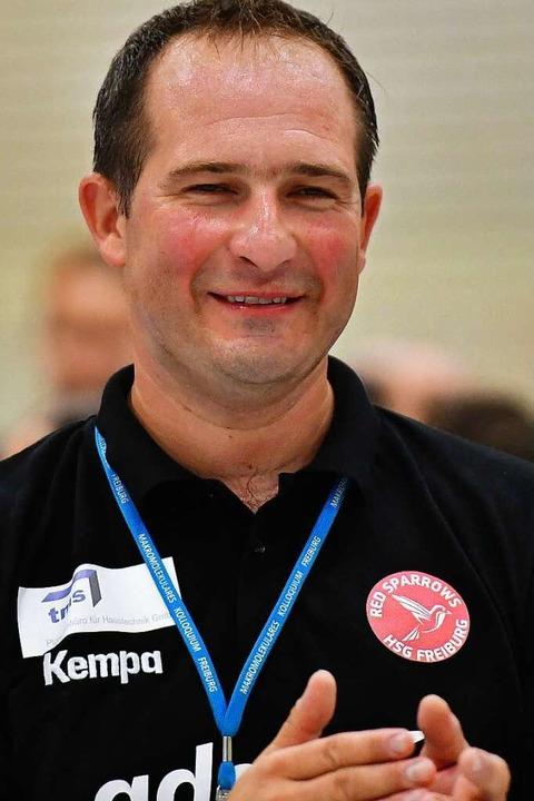 Zweifelte nie am Heimsieg seiner Spielerinnen: der neue HSG-Trainer Igor Bojic    Foto: Achim Keller