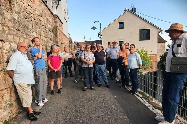 Dorfrundgang mit Franz Kiefer zeigt, wie bewegt Isteins Geschichte ist