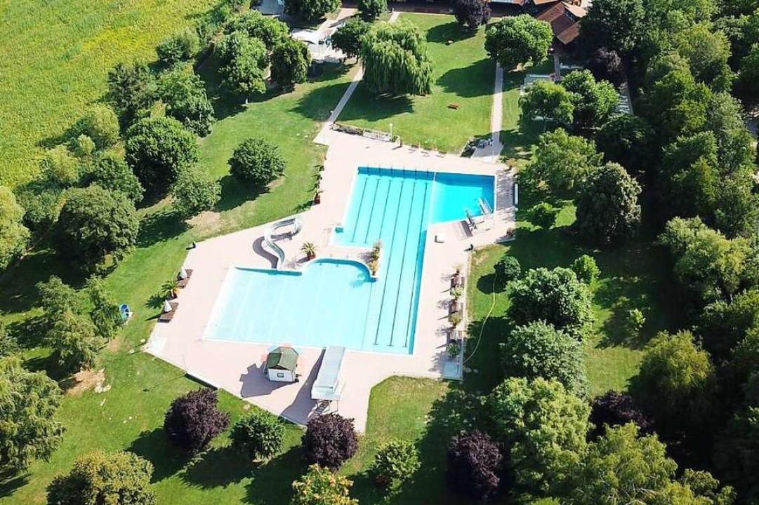 Das Bötzinger Bad aus der Drohnenperspektive    Foto: Michael Saurer