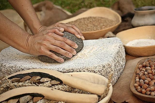 Das Museum im Ritterhaus bietet einen Steinzeit-Workshop für Kinder und Jugendliche an