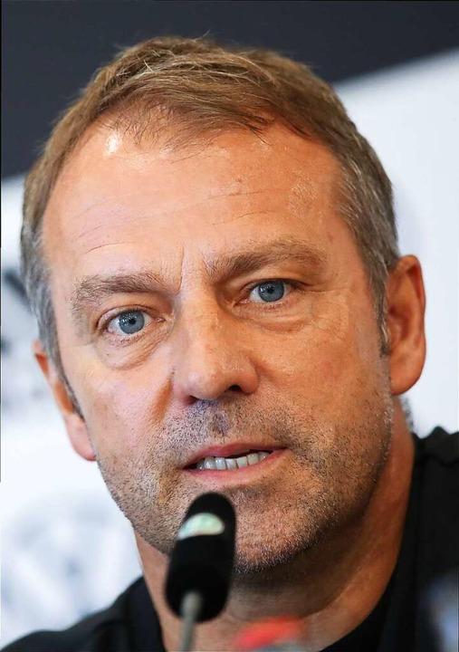 Zufrieden, aber nicht euphorisch: Trainer Hans-Dieter Flick  | Foto: Tom Weller (dpa)