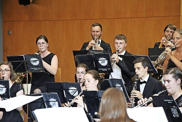 Junge Musiker präsentieren Abenteuergeschichten