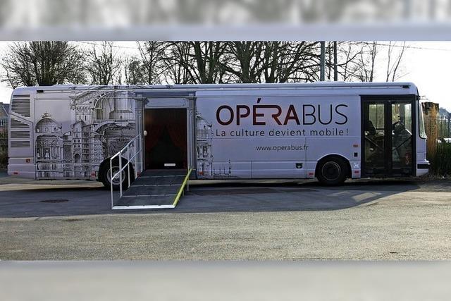 Barockensemble zeigt Oper im Bus