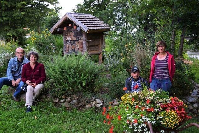 So viel Arbeit steckten die Gartenfreunde Waldkirch in ein neues Insektenhotel