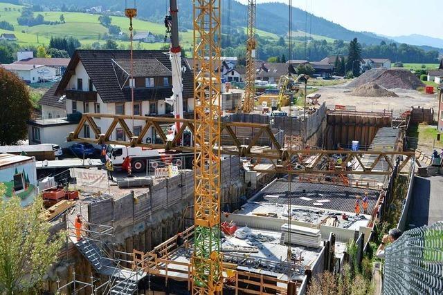 Behelfsbrücke an Tunnelbaustelle in Winden ist abgebaut