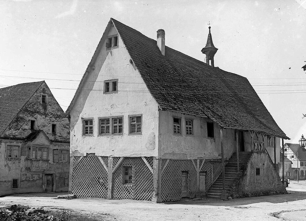 Fast 270 Jahre prägte die Markthalle d...urde das Gebäude dann aber abgerissen.  | Foto: Glasnegative Wilhelm Kratt (1869-1949)...rlsruhe Findbuch 498-1 Nr. 8340 Bild 1