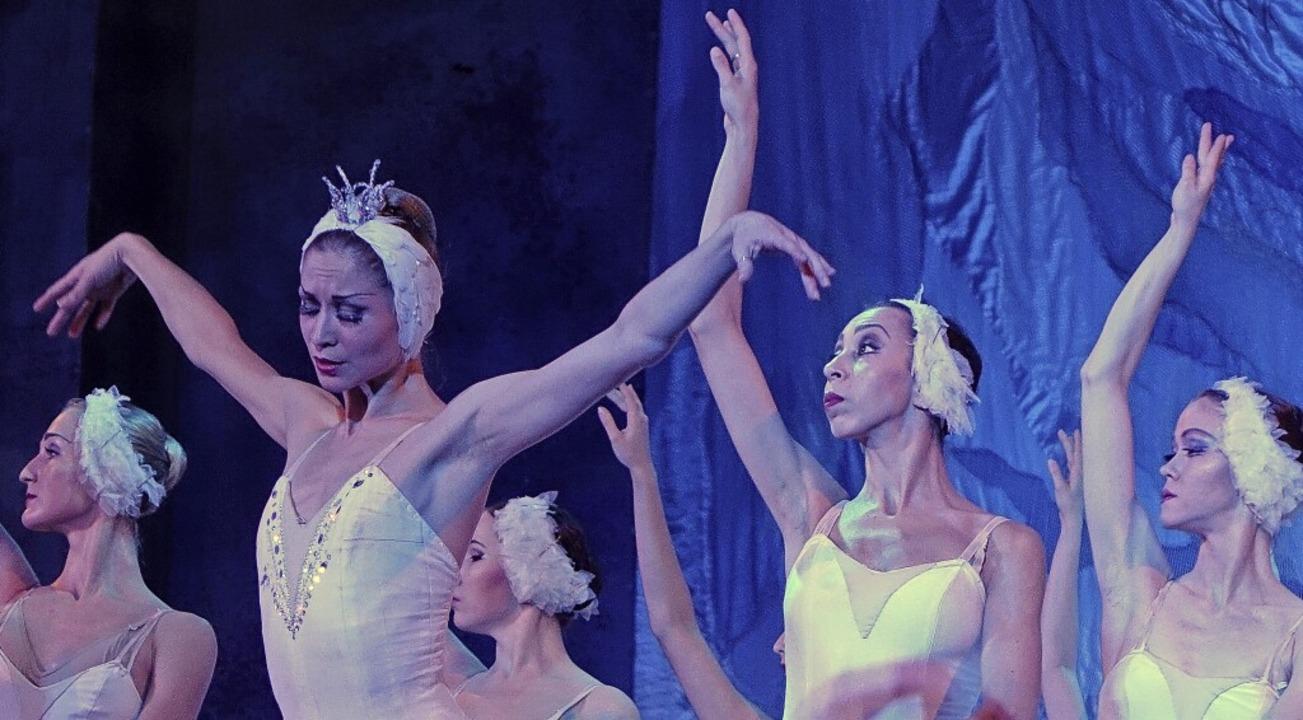 "Mit dem ""Schwanensee"" gast... den Klassiker ""Giselle"".     Foto: Roswitha Frey"