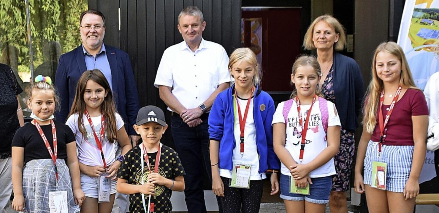 Ganz vorne Bürgermeister Raphael Renel...Kopp, Martin Wenz und  Martina Köllner  | Foto: Barbara Puppe