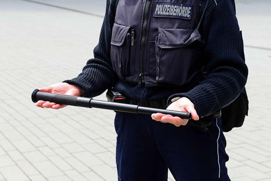 Der Vollzugsdienst hat schon für viele...– etwa über seinen Einsatzstock.  | Foto: Ingo Schneider