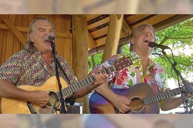 Duo Crowson und Cramer spielene im Chabah in Kandern