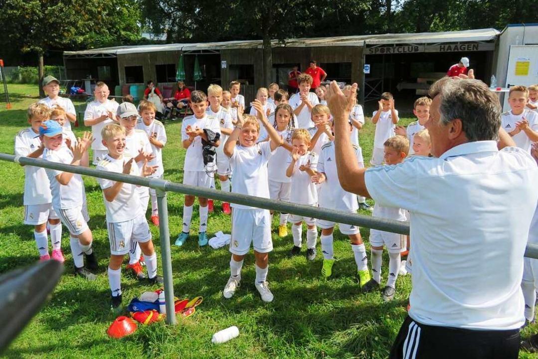 69 Kinder und Jugendliche aus 18 Verei...tten, der diese Trainingswoche leitet.    Foto: Peter Gerigk