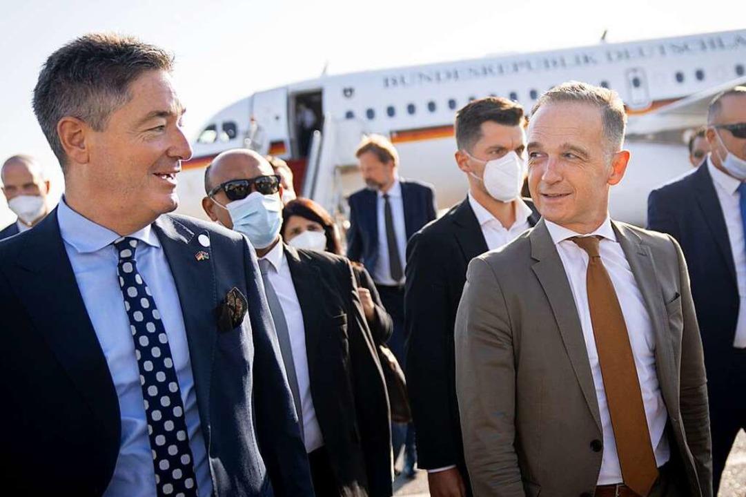 Der deutsche Botschafter Michael Ohnma... zusammen mit Außenminister Heiko Maas  | Foto: Kay Nietfeld (dpa)