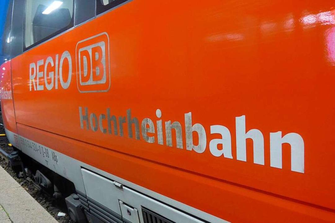 Mehr als zwei Stunden war die Hochrheinstrecke gesperrt.    Foto: Daniel Gramespacher