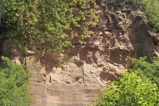 Zu Steinbruch und Dorf