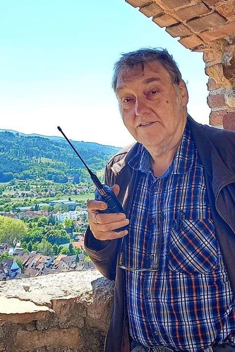 Ohne Funkgerät ist Horst Garbe selten zu sehen.    Foto: Garbe