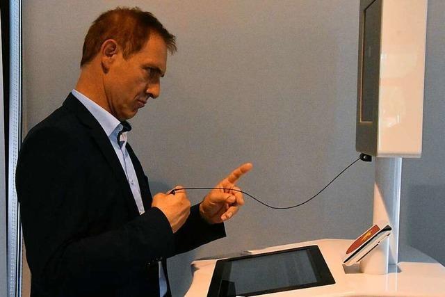 Im Lörracher Rathaus gibt es nun ein digitales Self-Service-Terminal